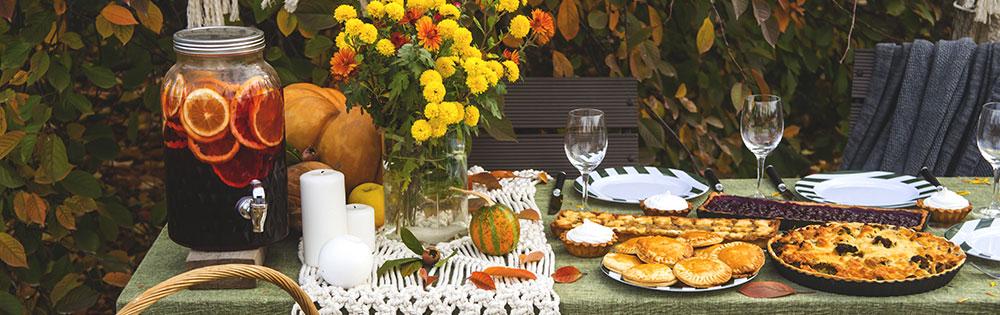 autumn table food outside